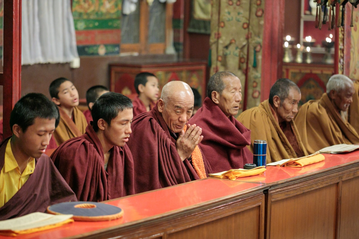 monks, Boudhanath Stupa, Canon EOS 5D Mk4